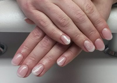 Nagelmodellage mit French & Nailart